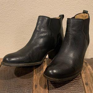 FRYE BLACK LEATHER BOOTIES LIKE NEW w/box Size 10